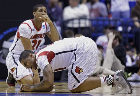 kevin ware bench reaction freak injury leaves players from both louisville and duke