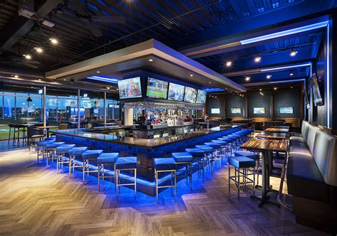 top golf bar parties and events topgolf west chester