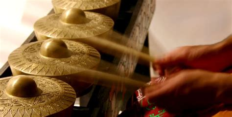 healing power  sound   hand experience