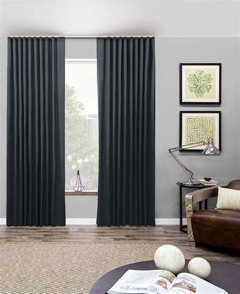 Attrayant La Plus Belle Chambre #2: 1-rideau-ocultant-noir-salon-moderne-tapis-beige-salon-moderne-rideaux-occultants.jpg