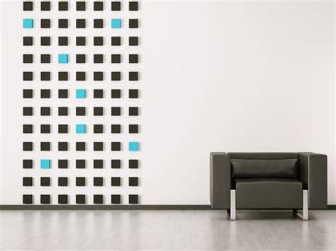 Farbige Akzente Wand mit farbigen quadraten akzente setzen bei der