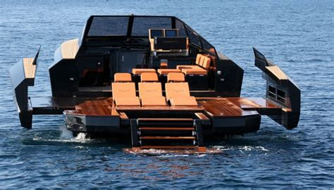 10 Amazing Luxury Boats To Of by 10 Amazing Boats That Are 50