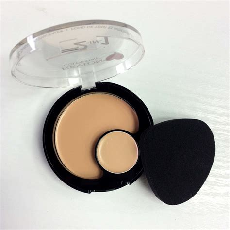 Revlon 2 In 1 revlon colorstay 2 in 1 compact makeup and concealer review