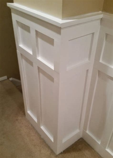 Wainscoting Around Corners by How To Install Board And Batten Wainscoting White Painted