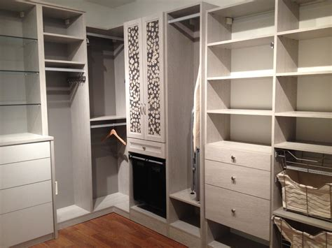 California Closets Simplicity Meets Style