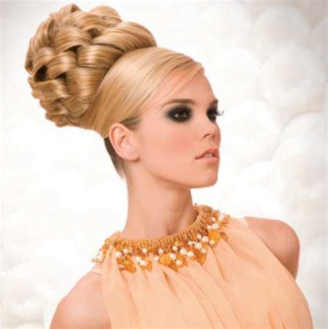 Beehive Hairstyle by Buzz This Season With Bees Around You Trending