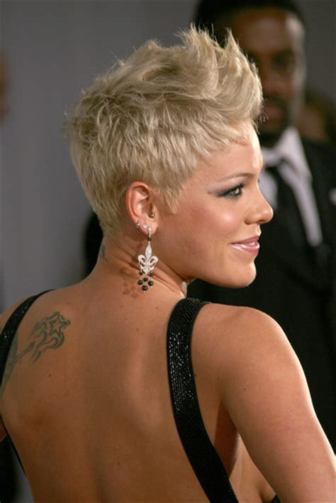 singer hairstyles pink in 49th annual grammy awards arrivals zimbio
