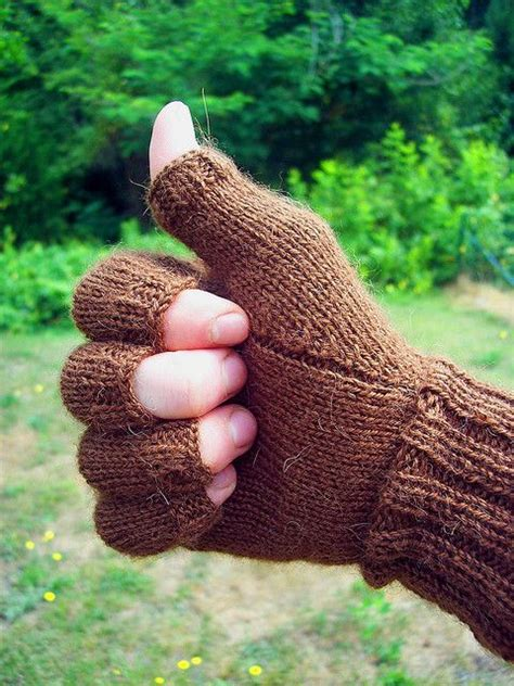 knitting pattern gloves with fingers free pattern knit fingerless gloves with half fingers