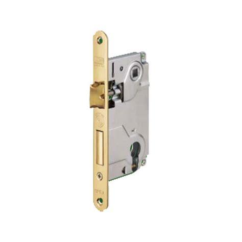serrature per porte interne legno serratura per porte interne agb 1024 centro cilindro