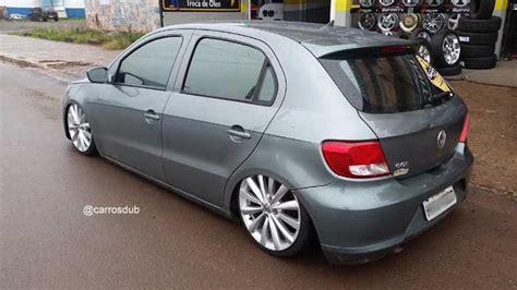 VW Gol G5 rebaixado com rodas aro 17
