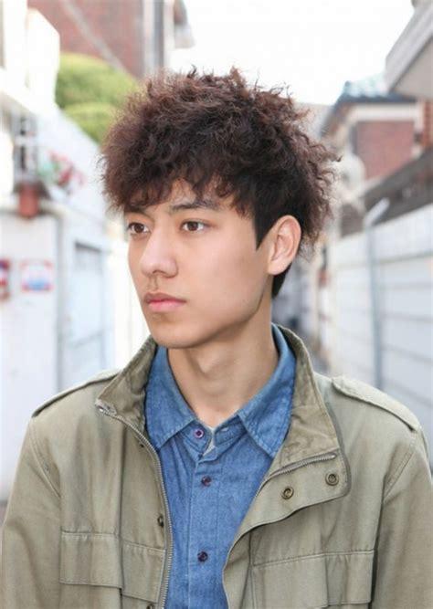 gambar potongan rambut keriting pria model rambut indonesia