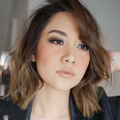 model rambut pendek sebahu wanita indonesia galeri gambar