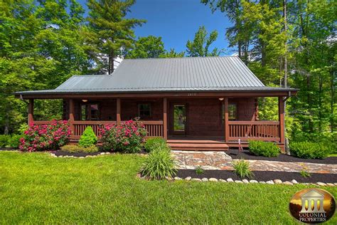 Colonial Cabins In Pigeon Forge by Sundance Smoky Mountain Dreams Cabin Resort Rentals