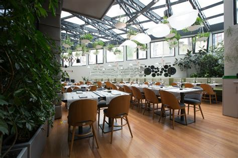 Inspiring projects: Berthelot's Modern Restaurant Design