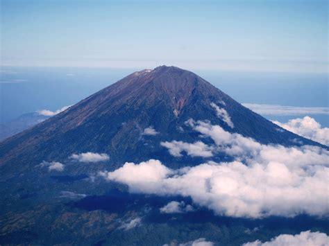 pendakian gunung agung  mdpl  pura besakih