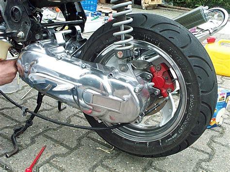 Motorrad Verkleidung Putzen by Variokasten Polieren Rollertuningpage Roller