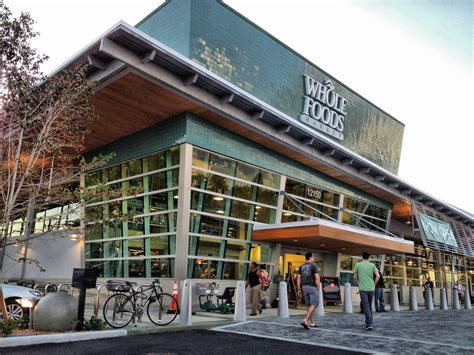 tlatet convenience stores and supermarkets whole foods market to open new grocery store chain