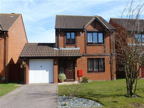 3 bedroom house for sale milton keynes 3 bedroom detached house for sale in gallagher close