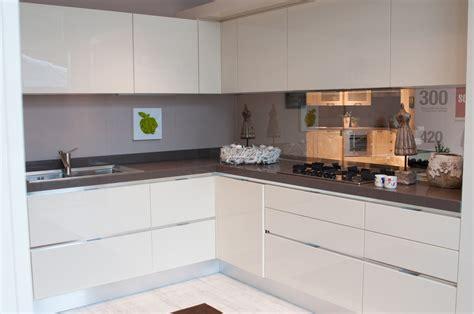 cucine scavolini bianche cucina moderna scavolini composizione ad angolo