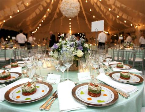 wedding dinner table decoration ideas which is better a plated dinner or a buffet goose berry