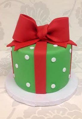 christmas gift box fondant cake instructions 1000 ideas about fondant crown on fondant pillow cakes and gold fondant