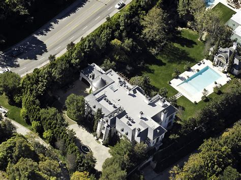 michael jackson house michael jackson net worth salary house car