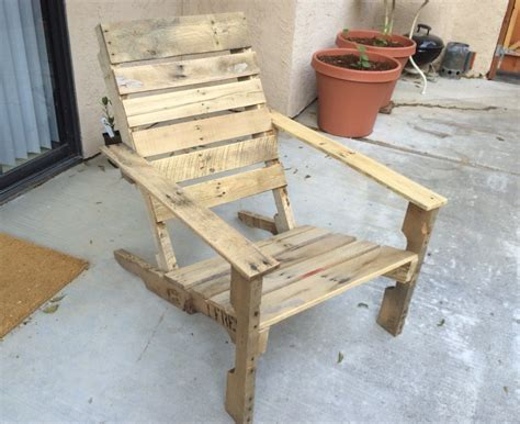 pallet patio chair awesome pallet projects pallet idea