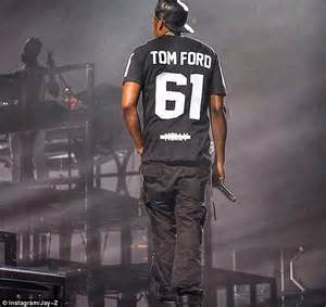 beyonce rocks tom ford minidress and paid tribute to z