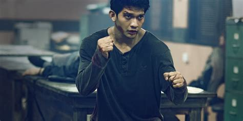 video film iko uwais iko uwais fights a lot of people in the headshot trailer