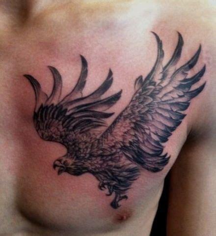 胸部经典帅气的老鹰纹身图案