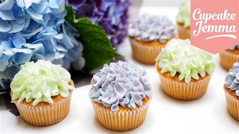 cupcake decoration hydrangea cupcake decoration tips techniques cupcake