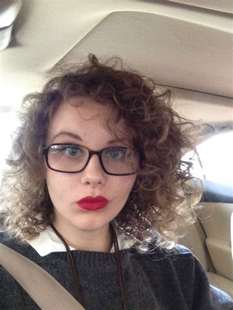 hipster short hair woman short curly hair women glasses google search hair