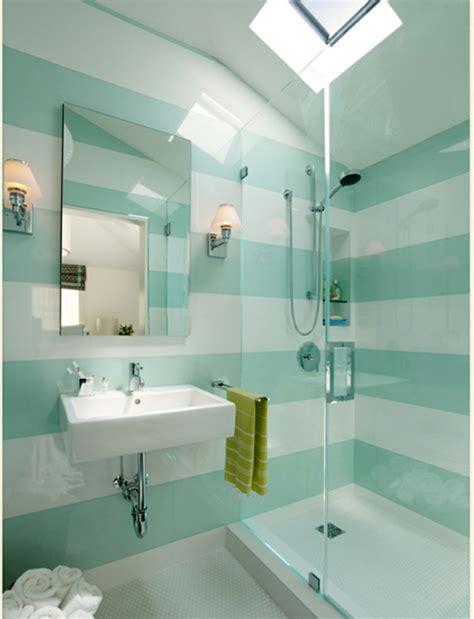 blauer und weißer speisesaal blau dekor badezimmer