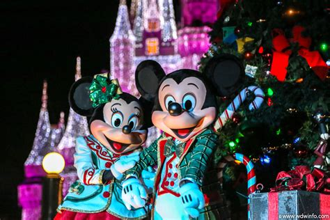 walt disney world magic kingdom mickeys very merry