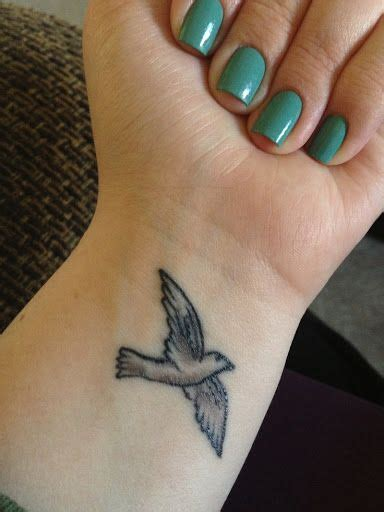 tattoo on top of wrist 25 best ideas about cool wrist tattoos on