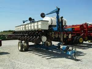 Kinze 3400 Planter by 2005 Kinze 3400 Planters For Sale At Equipmentlocator