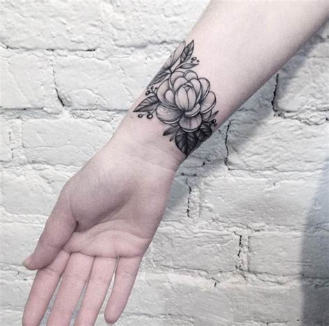 tattoo on wrist pros and cons 25 best ideas about wrist tattoo on pinterest tattoo