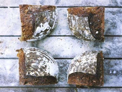 pane integrale in casa il pane di segale fatto in casa