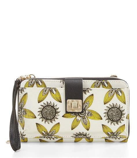 Anthropologies Desert Sun Wristlet Bag by Sakroots Artist Circle Large Smartphone Cross Bag