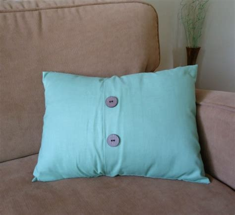 How To Make Envelope Pillow Covers by How To Make An Envelope Pillow Cover The Make Your Own Zone