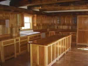 maple vs cherry kitchen cabinets cherry maple cabinets with giallo ornamental granite