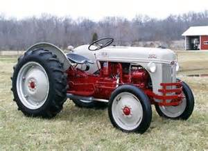 1948 ford 8n antique tractor
