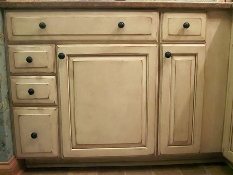 cabinets with glaze antique white cabinets with glaze home design ideas