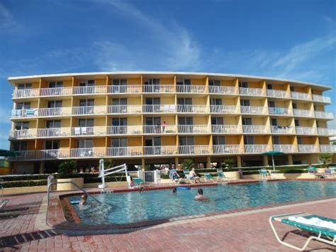 pool area and clean picture of comfort inn