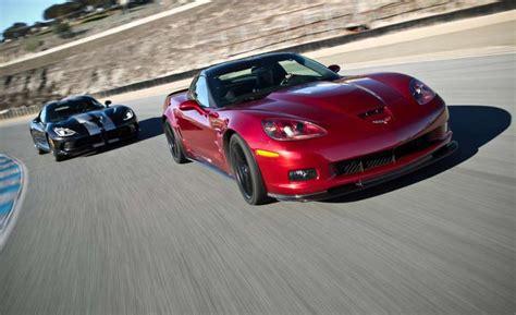 srt viper vs corvette car driver 2013 srt viper gts vs 2013 chevrolet