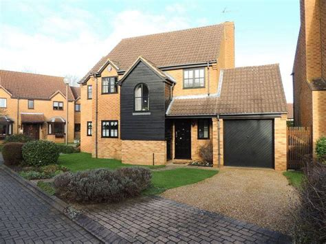 3 bedroom house for sale milton keynes 3 bedroom detached house for sale in loughton milton