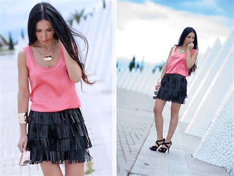 Wows Giveaway - wows 300 giveaway fringe skirt lookbook