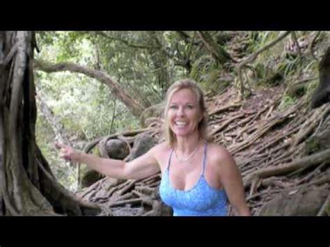 tarzan swings on a 30 tarzan rope swing at kipu falls kauai youtube
