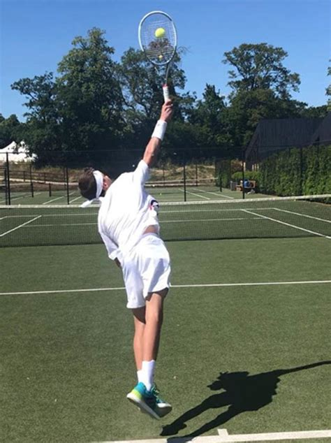 romeo beckham tennis tournament david beckham son romeo beckham looks like a tennis