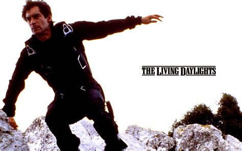006 the living daylights wallpapers 007